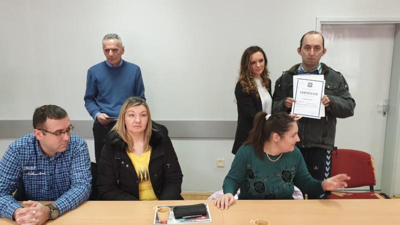 Уручени сертификати незапосленим особама са инвалидитетом