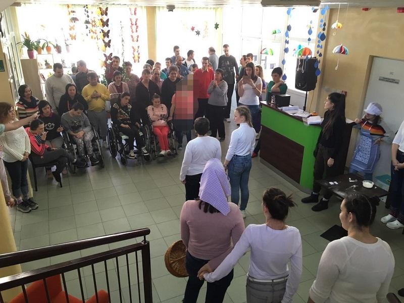 Ученици Медицинске школе посетили Зрачак
