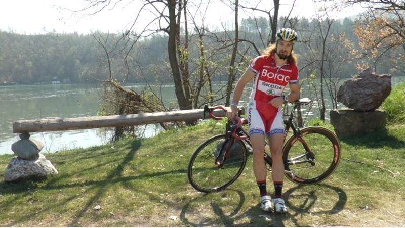 Лазара је кроз живот пратила храброст и инат: Завршио је Медицински факултет и бави се бициклизмом
