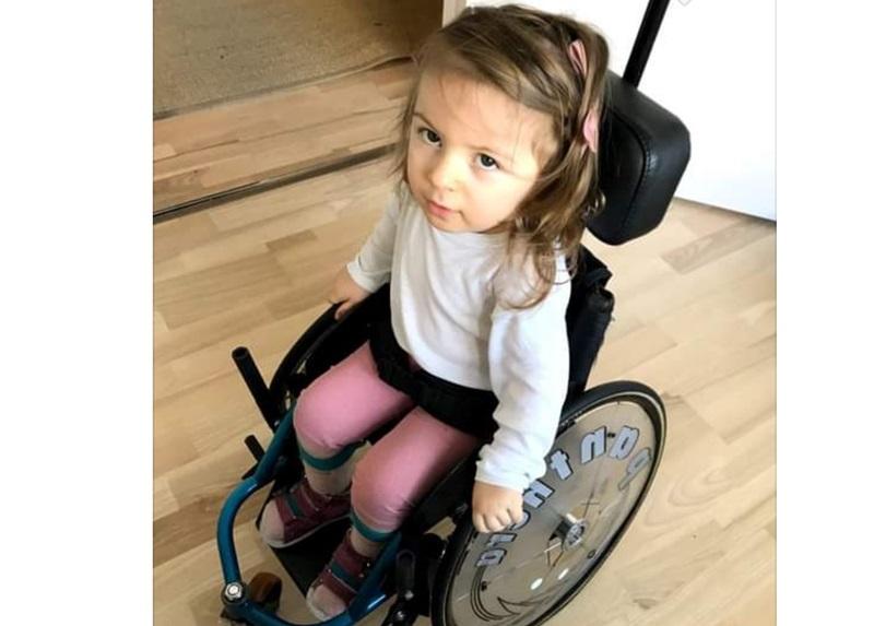 Аника рачуна на нас: Ако пожуримо, можемо јој помоћи, јер лека има