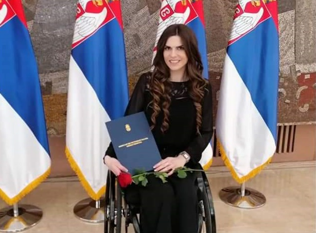Додела плакета и награда Чачанки која је значајно допринела у афирмацији безбедности у саобраћају